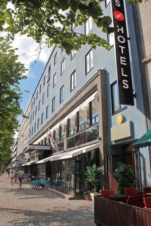 Solo Sokos Hotel Lahti Seurahuone: streetscape