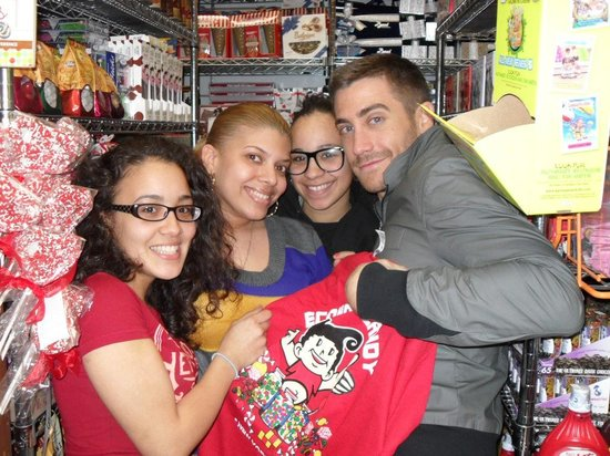 Economy Candy: Jake Gyllenhaal visiting his favorite candy store