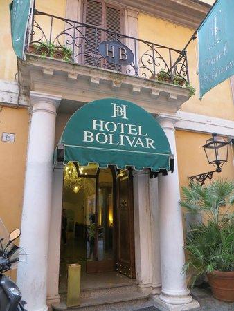 Comfort Hotel Bolivar : Front of hotel