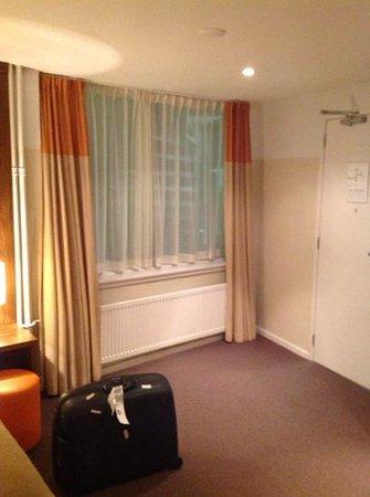 Hampshire Hotel - Eden Amsterdam : finestra verso interno