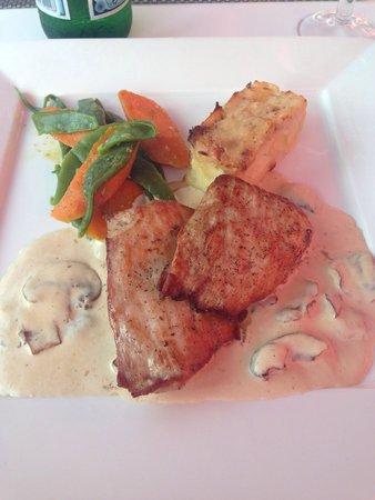 Gunther's Restaurante: Pork, absolutely beautiful