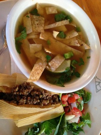 Reata Restaurant: tamale and tortilla soup