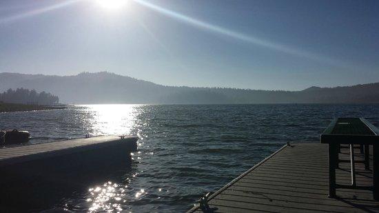 Lagonita Lodge: Boat dock in front of hotel