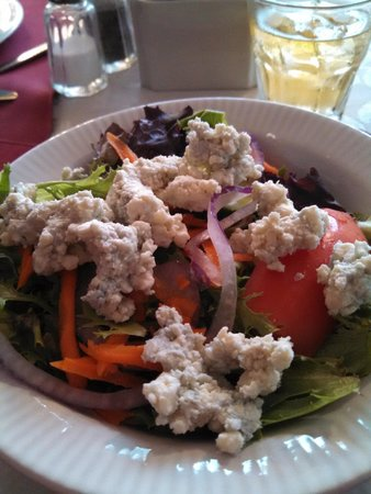Lake House Restaurant: well-made salad