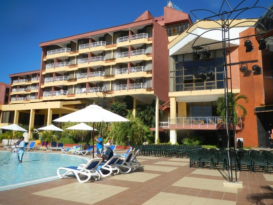 Be Live Experience Varadero: Hotel rooms view from pool area