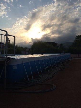 Zenitude Hôtel-Résidences Mandelieu - Mimozas Resort and Spa : Nouvelle piscine provisoire