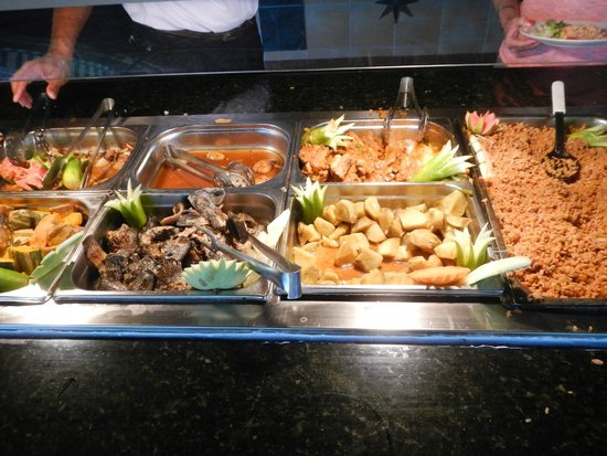 Be Live Experience Varadero : Buffet at beach snack bar at lunch