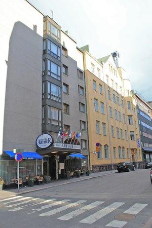 Arthur Hotel: streetscape