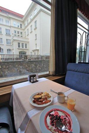 Arthur Hotel: breakfast!