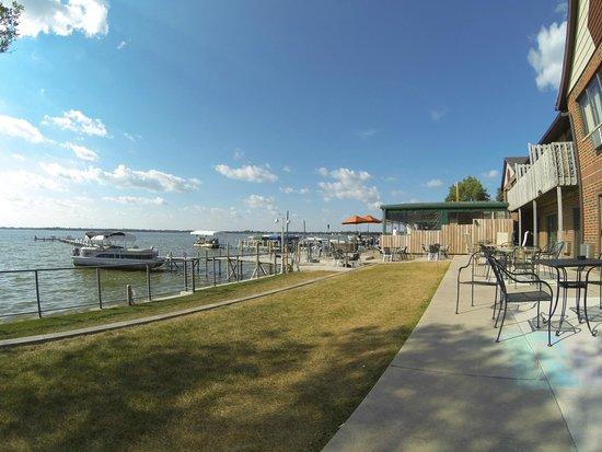 South Shore Inn - Clear Lake: View of Clear Lake