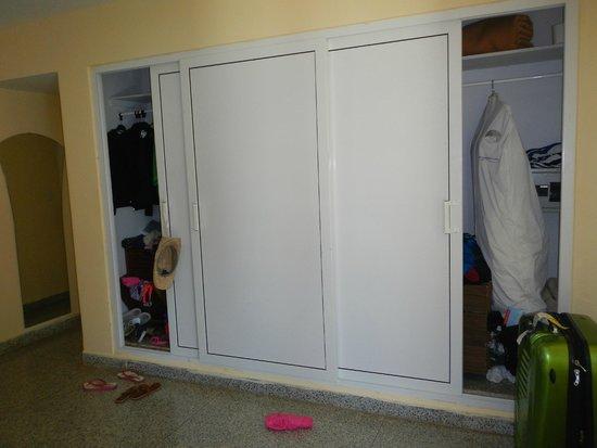 Be Live Experience Varadero: Huge closet