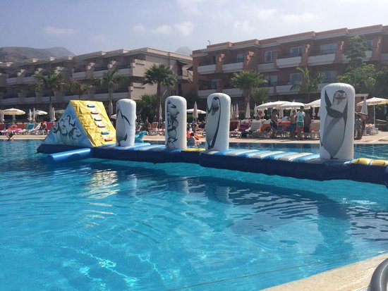Holiday Village Tenerife: pool fun