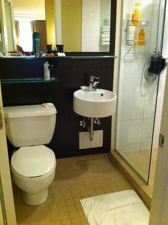 Raffaello Hotel: Salle de bains