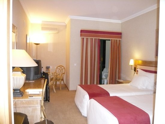 Riviera Hotel Carcavelos : Quarto