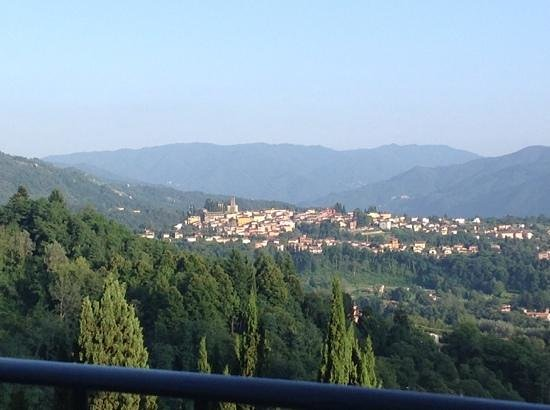 Renaissance Tuscany Il Ciocco Resort & Spa: view of Barga from our room!!! really great....