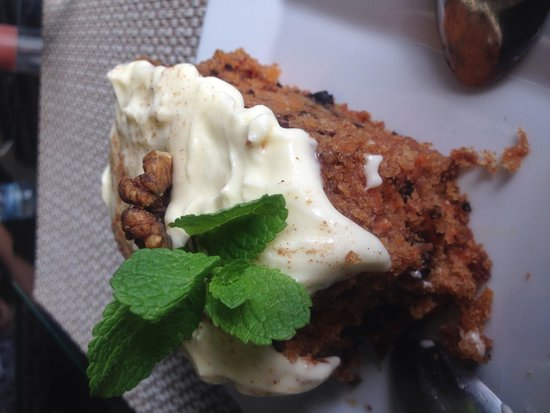 VERANDA Cafe: carrot cake