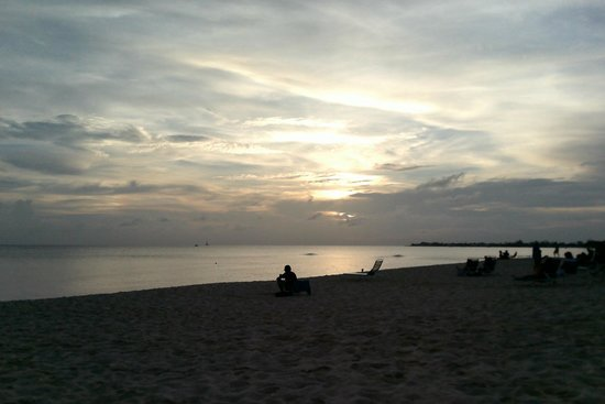 Christopher Columbus Condos : Beach View