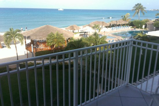Christopher Columbus Condos : Beach view from deck