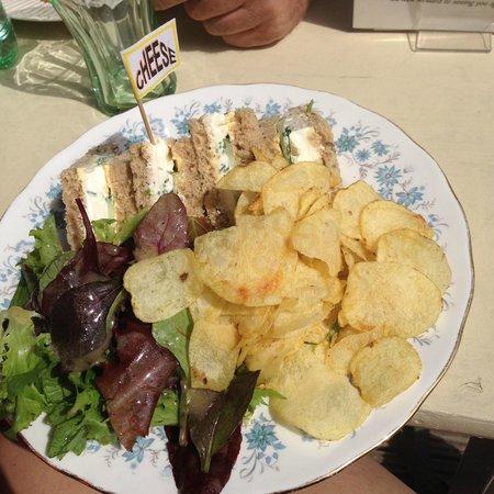 Mermaid House Tea Gardens: Cucumber, Cream Cheese & Chives sandwhices