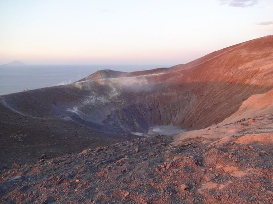 Scalata al Cratere : Spettacolare cratere
