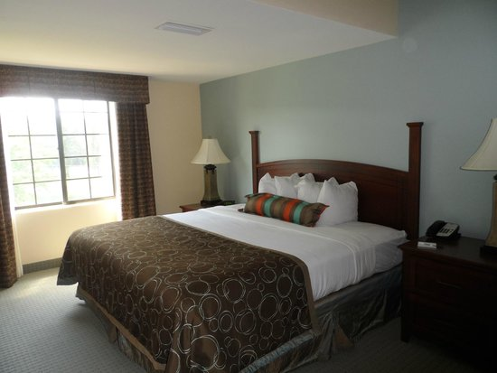 Staybridge Suites Tallahassee I-10 East: chambre