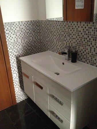 Emerald Fields Hostel : Bathroom