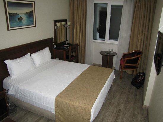 Askoc Hotel: room 305