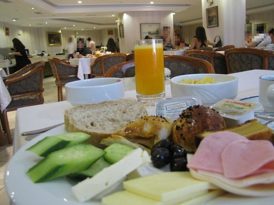 Askoc Hotel: breakfast