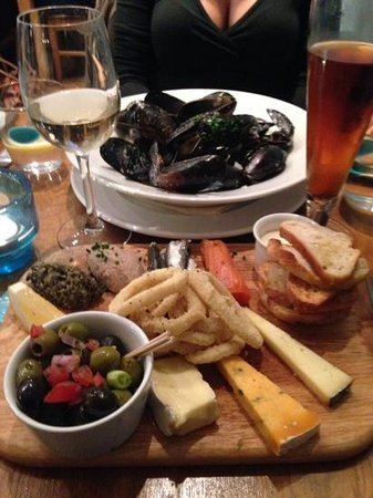 Mackerel Sky: Mussels and the Mackerel Plate: mixed sea starters and local cheeses
