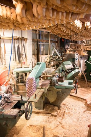 Amsterdam City Tours-Day tours: The clog factory
