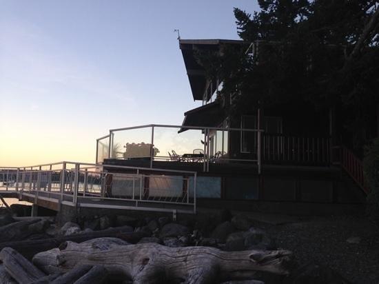 Taku Resort and Marina : THE BEACH HOUSE