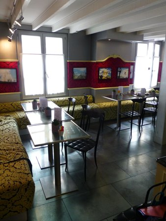 Hotel Design Sorbonne: breakfast room