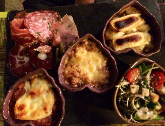 Restaurant L'Alpin: Trio savoyard. Très bons fromages. Comme la charcuterie. La salade qui les accompagne l'est un p