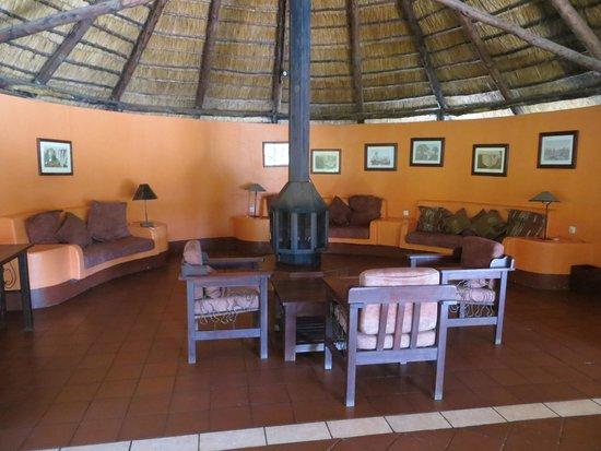 Maramba River Lodge: Lounge