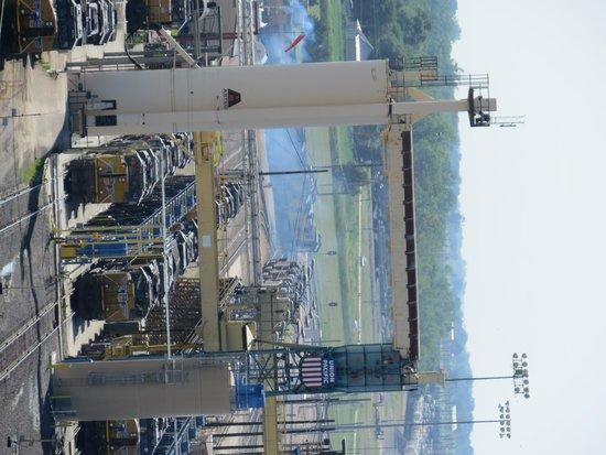 Union Pacific Railroad Bailey Yard: Engine refueling station at yard