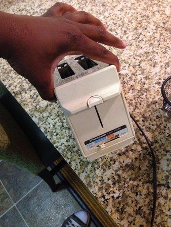 Residence Inn Louisville East : Dirty toaster