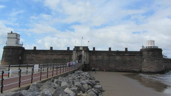 Fort Perch Rock: front fort