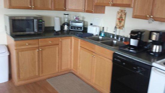 Dredge No.7 Inn: Kitchen at D Street