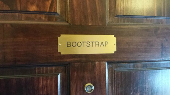 Dredge No.7 Inn: Bootstrap Room at D Street