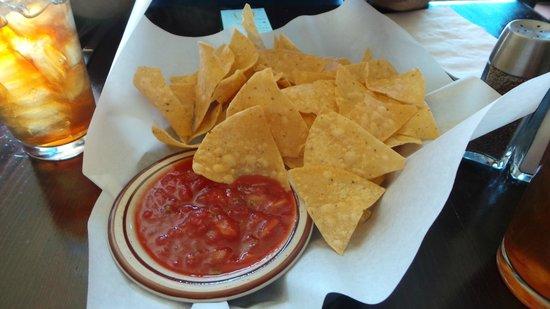 Habaneros Mexican Restaurant: Chips & Salsa
