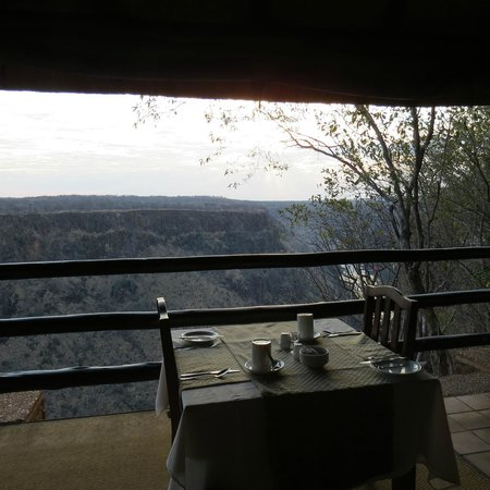 Gorges and Little Gorges Lodge: Breakfast with gorge!
