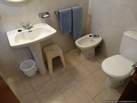 Hotel Borja: Bath