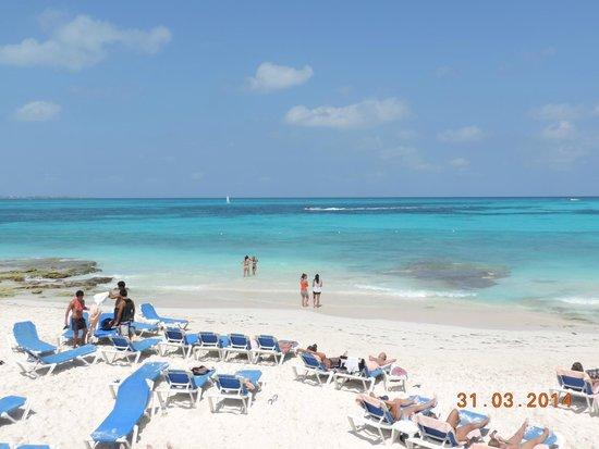 Hotel Riu Cancun: playa del hotel