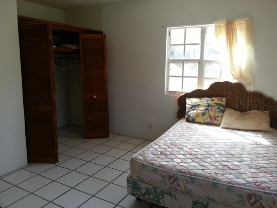Gingerland, Nevis: FIRST FLOOR. Each apartment has two double bedrooms with built in double wardrobes, and access t
