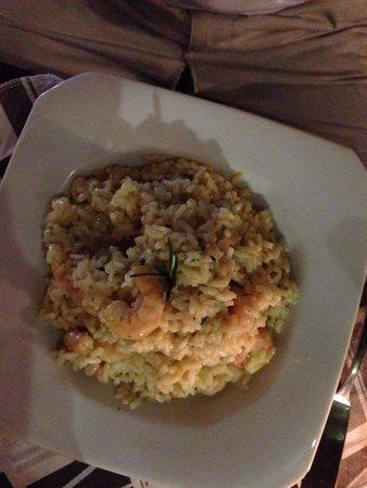 Taverne 67: Risoto de camarão delicioso e muito bem servido!