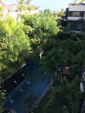 El Taj Oceanfront & Beachside Condos Hotel: Nice pool at beachside