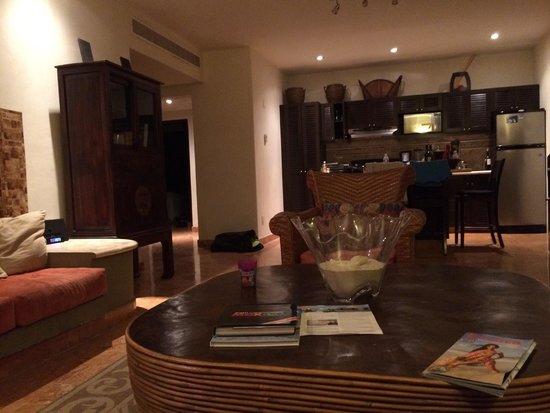 El Taj Oceanfront & Beachside Condos Hotel: Condo 306