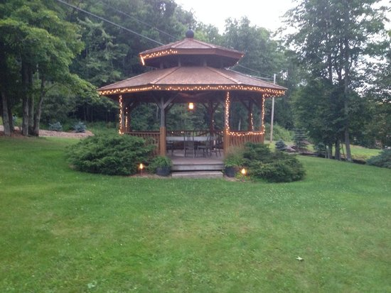 Cuomo's Cove: Gazebo across from
