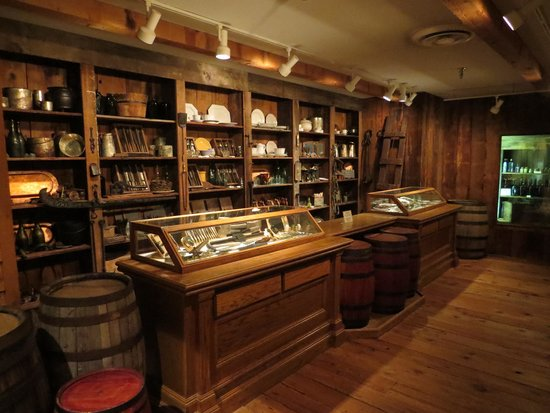 Arabia Steamboat Museum: The General Store with recovered items