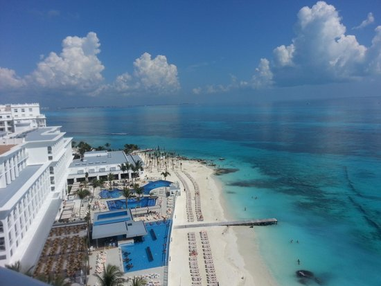 Hotel Riu Cancun: view from 4th floor! gorgeous